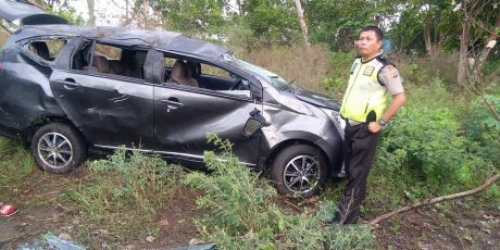 Toyota Cayla Ini Terhempas di Pakin