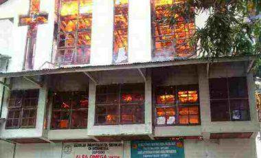 Gereja  Alfa Omega Samping Stadion Klabat Terbakar