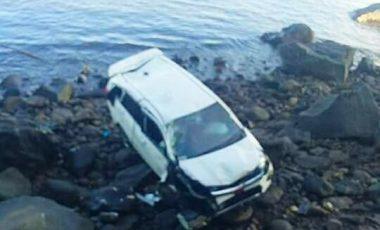 Breaking News : Cayla Terjun di Pantai Malalayang, 1 Tewas
