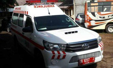 Rujuk Orang Sakit, Ambulance Ini Terlibat Lakalantas