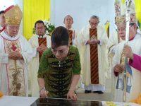 Bupati CEP Resmikan Gereja Katolik di Keroit
