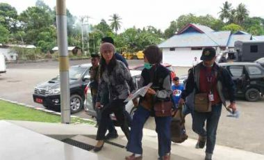 Digelandang KPK ke Jakarta, Bupati Talaud Tak Sempat Bawa Pakaian