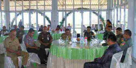 Didampingi Bupati ROR, Mayjen Supit Tinjau Lokasi Karya Bhakti di Minahasa