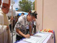 Walikota Eman Resmikan Gereja Katolik Santo Petrus Kumelembuai