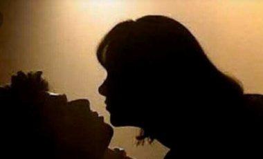 Pemandangan Panas, Istri Pergoki Suami Dengan Wanita Lain