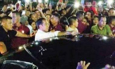 Cerita Jokowi, Cuma di Manado Warga Cegat Presiden di Tengah Jalan